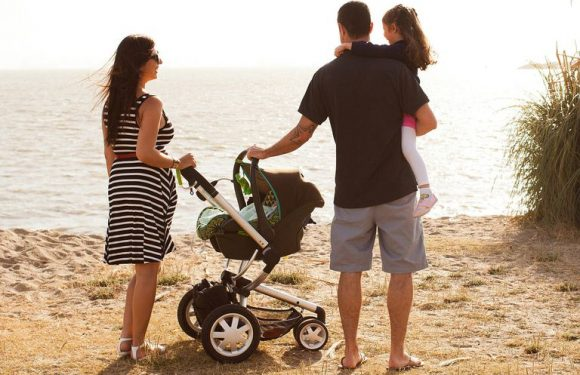 How to choose a baby travel system